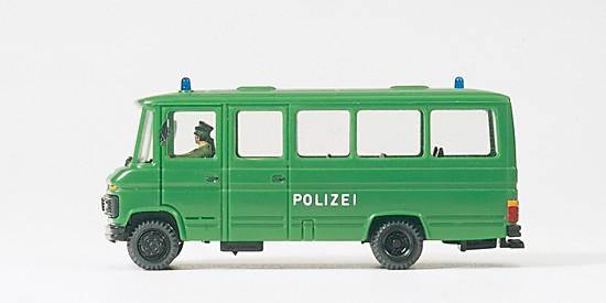 Gruppenkraftwagen. Polizei. MB L 508