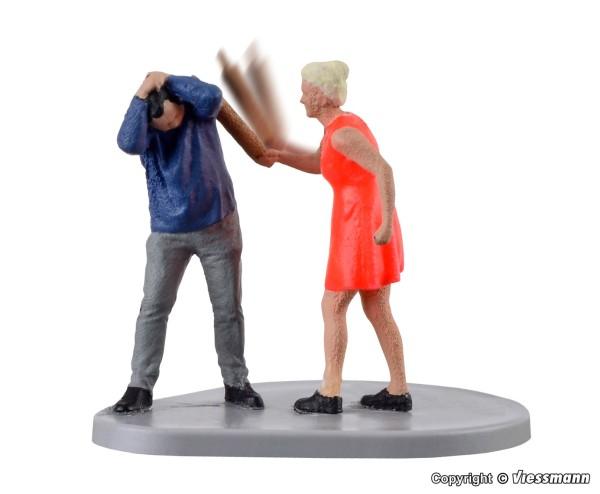H0-Frau mit Nudelholz, bewegt