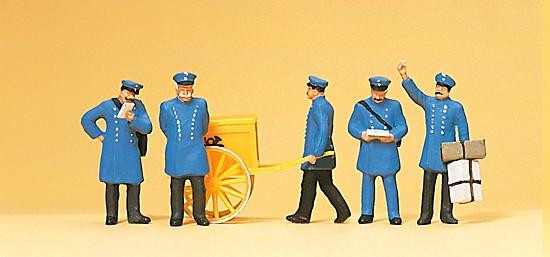 Postbeamte. Um 1900
