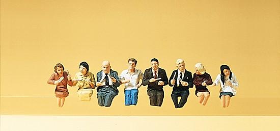 Sitzende Fahrgäste für Speisewagen