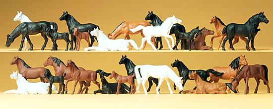 Pferde. 26 Figuren