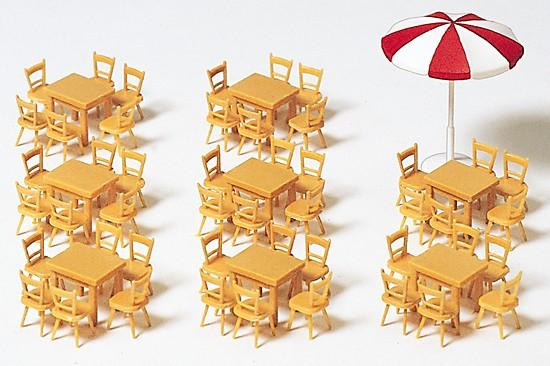 H0-8 Tische, 48 Stühle, 1 Sonnenschirm