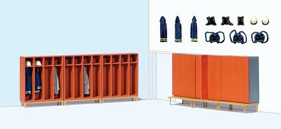 H0-Feuerwehrspinde, 6 montierte Spinde