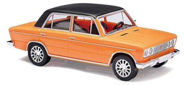 Lada 1600, orange, mit schwarzem Dach